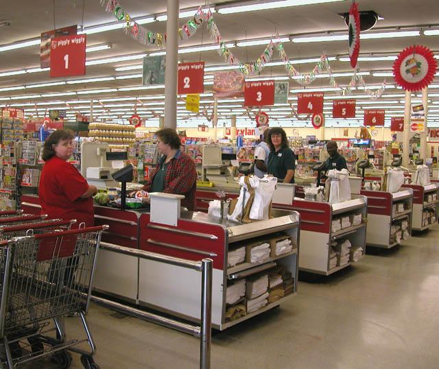 Century -Piggly-Wiggly-Supermarket_03
